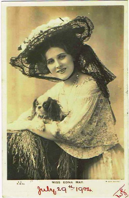 アメリカ女優 Edna May スパニエル犬(キャバリア) [w942][Snowdrop Postcards アンティークカード専門店]
