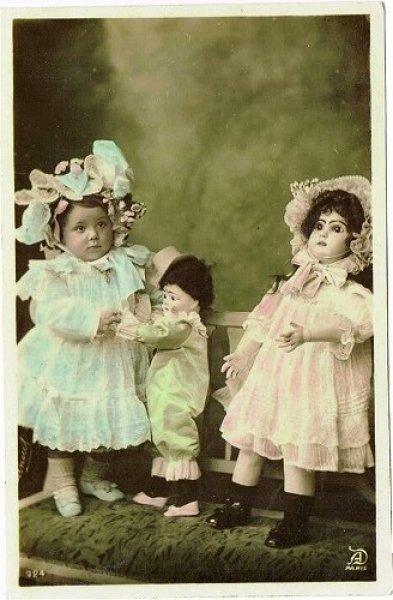 画像1: フランス 女の子とお人形 未使用 1905年頃 (1)