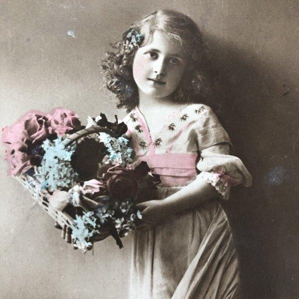 画像1: Postcard  お花籠と女の子 イギリス1915年 (1)