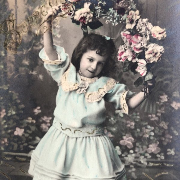 画像1: Postcard  薔薇のお花と水色のドレスの女の子 フランス (1)