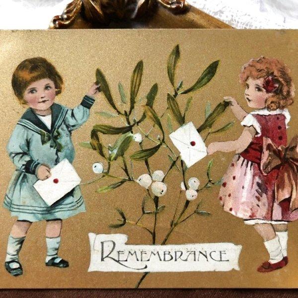 画像1: Postcard ヤドリギと手紙を持つ女の子たち  (1)
