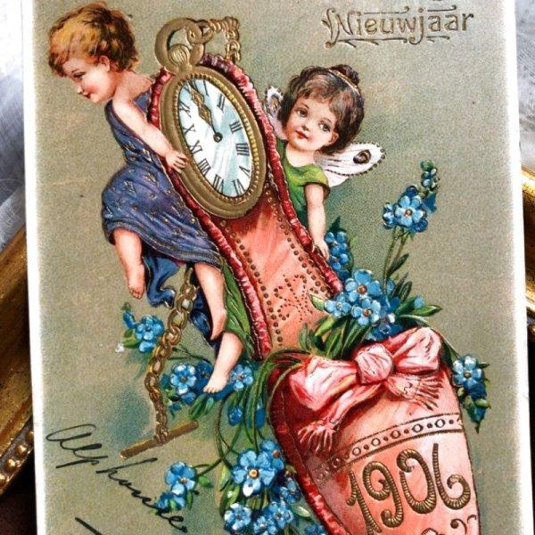 画像1: Postcard 新年祝い New Year スリッパと時計を運ぶ妖精 1906年 (1)