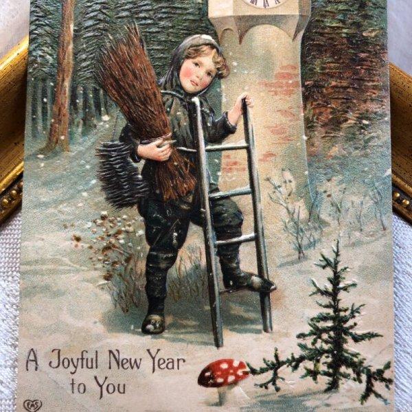 画像1: Postcard 新年祝い New Year 煙突掃除婦さんと時計 キノコ  (1)